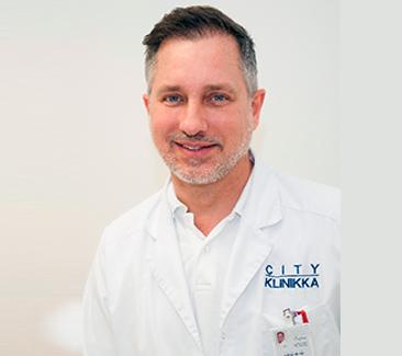 Dr. Piotr Sikorski